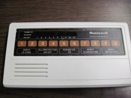 D320 Honeywell Control Center